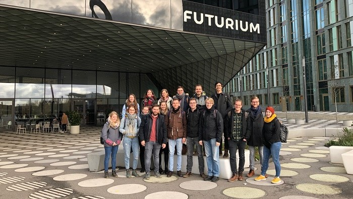 "Group picture of young people in front of the museum ""Futurium"" in Berlin."